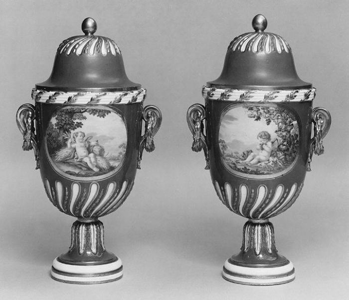 Image for Vase with cover (vase feuille de laurier) (one of a pair)