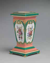 Image for Pedestal vase and bulb pot (piédestal en gaine) (pair); Potpourri vase with candleholders (pot-pourri à bobêche) (pair); Tea service