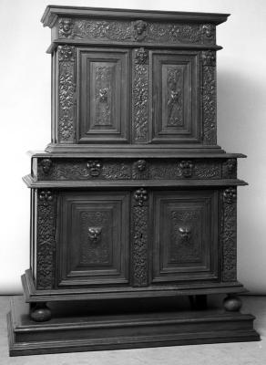 Image for Double cabinet, walnut, original locks, keys, and tassel decoration from Villa Pinerolo (3 pieces including base)