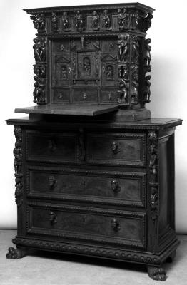 Image for Chest of drawers with pulls in the shape of men's heads