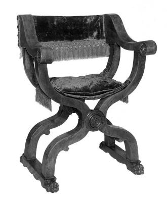 Image for Classic Dantesque folding walnut armchair, early 16th c. Tuscan, carved coat of arms, covered with blue velvet and fringe of the same epoch